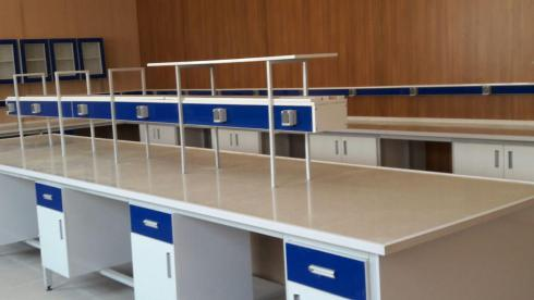 سکوبندی آزمایشگاه به آزماسکوسامان