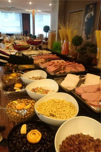 ارائه صبحانه سلف سرويس در محل مورد نظر شما