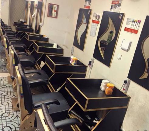 آموزشگاه آموزش آرایشگری مردانه گریم حرفه ای شهرمو
