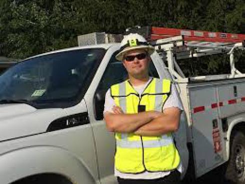 استخدام نصاب و سرویس کار درب برقی،کرکره برقی و جک پارکینگ