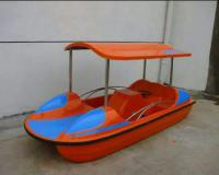 قایق پدالی فایبر گلاس طرح ماشین سایبان دار
