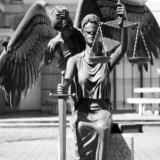 وکالت و مشاوره توسط وکلای پایه یک دادگستری