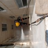 شستشوی نمای ساختمان بدون داربست با سند بلاست