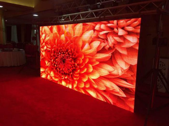 فروش و اجاره تلویزیون های شهری و نمایشگاهی